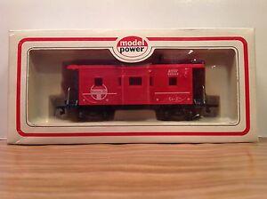 "HO Scale Model Power ""ATSF - Santa Fe"" 999056 36' Freight Train Caboose"