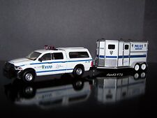 NYPD POLICE DODGE RAM + HORSE TRAILER COLLECTIBLE MODELS - 1/64 SCALE DIORAMA