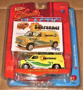 NEW/PACK 2008 JOHNNY LIGHTNING CLASSIC PLASTIC MPC MODEL '70s FORD SUNRUNNER VAN