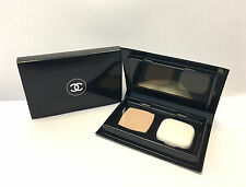 Newest CHANEL Le Teint Ultrawear Flawless Compact Foundation SPF15 #20 Trialsize