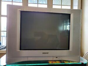 "Sony Trinitron WEGA KV-20FS120 Television -  20"" CRT TV - Remote, tested"