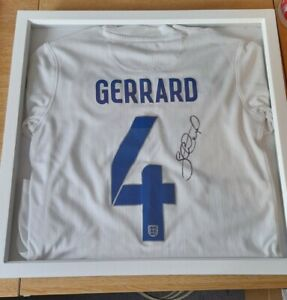 Steven Gerrard Signed England football shirt number 4 (Read description)