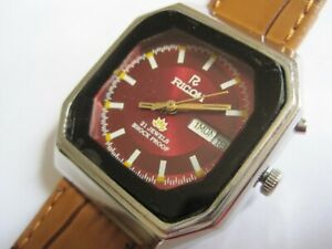 LOVELY TV RICOH SILVER DIAL DAY/DATE 21 JEWEL AUTO MECHANICAL MEN'S WATCH