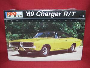 1969 Dodge Charger R/T Pro Modeler Custom 69 Revell-Monogram 1:25 Model Kit 5937