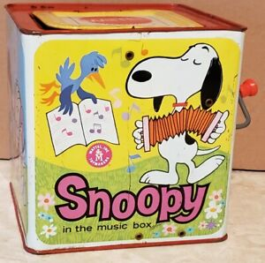 Mattel Snoopy Jack in the Box 1966