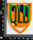 VINTAGE QLD QUEENSLAND EMBROIDERED SOUVENIR PATCH WOVEN CLOTH SEW-ON BADGE