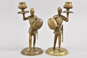 k64b25- 2x figürlicher Bronze Kerzenständer, Ritter/ Soldaten mit Schild