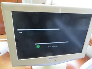 """Samsung 18 - 19"""" LCD TV Computer Monitor Model LN-S1952W DVI Old Style PC input"""