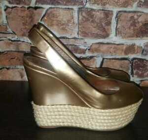 🌹 $965 LOUIS VUITTON Gold Logo EU 37.5 US 7 Wedge Sandals Platforms Leather LV