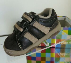 NEW STRIDE RITE Bailey H&L Dark Brown/Sand Sneakers (Size 4.5 M)
