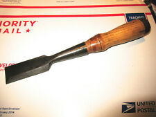 "ANTIQUE WINCHESTER NO. 4709 1 1/4"" WOOD CHISEL IN GOOD USED CONDITION"