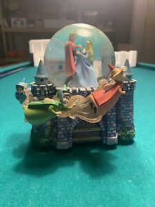 DISNEY Cinderella Dancing w/Prince Musical Snow Globe 'Once upon the 'Dream'