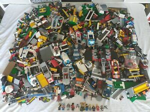 LEGO 13.6KG MIXED BRICKS,PARTS.PIECES,PLATES,FIGURES, LEGO POLICE,STAR WARS ETC