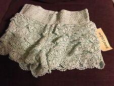 REWIND Women's Juniors Sea/Pale  Green Tiered Lace Elastic Waist Shorts XS NWT