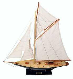 Pen Duck Model Racing Yacht - Fully Assembled