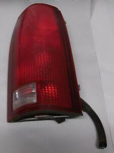 1998 GMC Suburban K1500 5.7L 4x4 Right Rear Tail light Combo Lamp 16506350