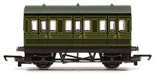 Hornby R4672 RailRoad SR 4 Wheel Coach OO Gauge