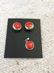 New Stone Fitted Earrings & Pendant 925 Sterling Silver Collectable / Decorative