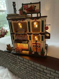 """DEPT 56 Christmas in the City 59258 """"COCA COLA BOTTLING CO"""" RARE -"""