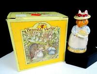 """ROYAL DOULTON BRAMBLEY HEDGE COLLECTION DBH3 MRS APPLE 4"""" FIGURINE IN BOX 1982"""