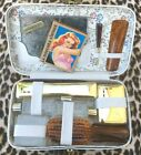 FRENCH+1950s+WOMAN+GROOMING+VANITY+SET%7E+11+PIECES+%7EUNUSED+VINTAGE+IN+TRAVEL+BOX