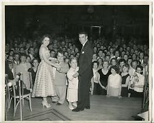 (40s/50s?) Old Photo: Celebrities & Dwarfs Dancing On Stage (Possibly a Concert)