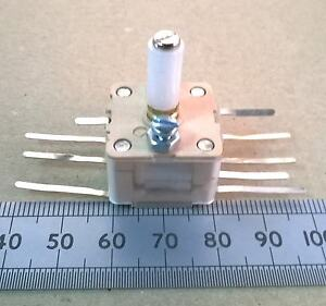Dual Gang Long Shaft AM FM Variable Capacitor 266pF X 2 and 20pF X 2