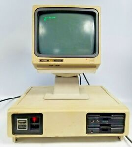 Vintage '83 Radio Shack Tandy TRS-80 Model 2000 Personal Computer