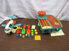 Fisher Price Little People Play Family Airport 996 P luggage Plane Helicopter