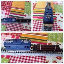 Modellismo dinamico: locomotore e vagone merci scala N, funzionamento analogico.