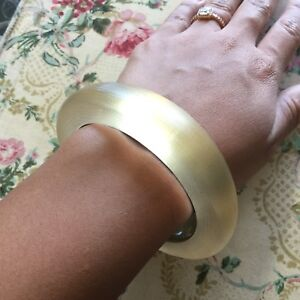 Stunning! Handcrafted Alexis Bittar Champagne Lucite Round Textured Bangle Brace