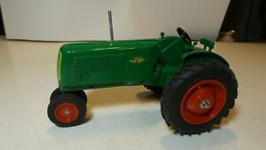 Spec Cast 1/16 Oliver 70 row crop tractor