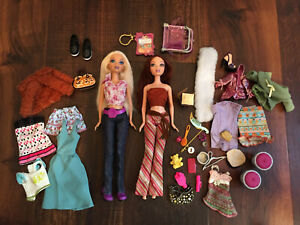 Mattel My Scene Dolls - Lot of 2 and Accessories- Blone has a cracked neck