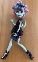 MONSTER HIGH Zombie Shake Rochelle Goyle Doll