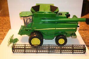 John Deere S670 Combine 1:16 Replica Big Farm Toy ERTL - Read Description