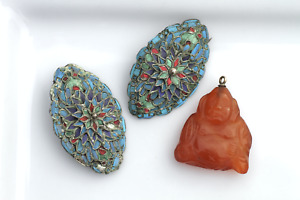 Antique Chinese 19thC 2x Kingfisher Feather Brooches & Carnelian Buddha Pendant