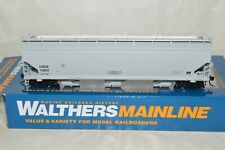 HO scale Walthers CRDX Chicago Freight 60' NSC grain covered hopper car train