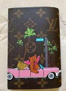 Louis Vuitton Hollywood Drive Passport Cover Christmas XMAS Vivienne 2021 Virgil