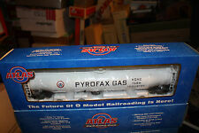 Atlas Big O Gauge 33,000 gallon tank car # 6402-1 Pyrofax Gas Shpx 17000 3 Rail