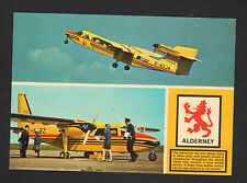 JERSEY GUERNSEY / AVION en AEROPORT , Arrivée du PILOTE / BLASON ALDERNEY