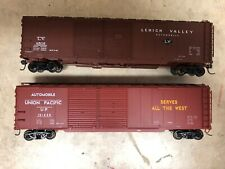 2 50ft HO boxcars 1 Union Pacific and 1 Lehigh Valley