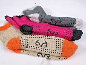 Realtree Ladies Cozy Socks Gift Box 3 Pairs GRIP BOTTOM