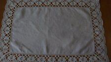 Grazioso Vintage Bianco Biancheria butlers CREDENZA / TAVOLO Tappetino PANNO 18 X 12.5 in