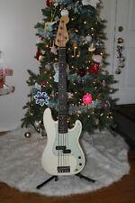 Fender American Professional II Precision V 5-String Bass Guitar + Hard-case