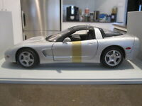 1:18 UT 21003 1998 C5 CHEVROLET CORVETTE COUPE SILVER *NEW*