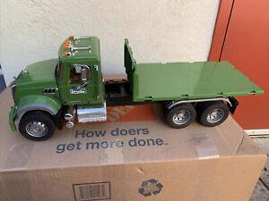Bruder #02824 Mack Granite Timber Truck Green
