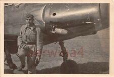 Pilot am Schul - Flugzeug Arado Ar 96