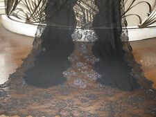 LOVELY $2K VALENTINO BLACK 100% CASHMERE AND FRENCH LACE LRG SHAWL WRAP