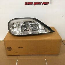 Ford 00 01 02 03 04 05 Sable Right Side Headlight New Take Off YF4Z-13008-BA