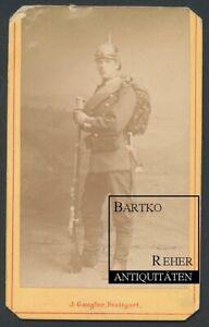 Foto ca. 1870 Kriegsausmarsch Soldat in Uniform m. Pickelhaube Gewehr u Bajonett